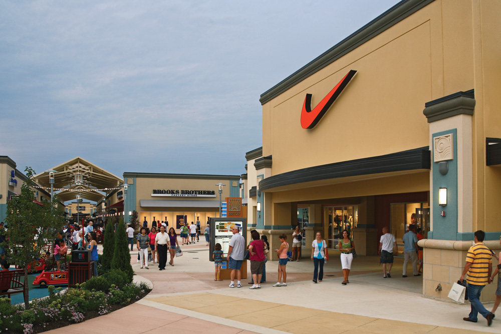 The Cincinnati Premium Outlets have over outlet stores including Banana Republic, Coach®, Guess, J. Crew, Kenneth Cole, Nike, Ralph Lauren, Saks Fifth Avenue®, Samsonite, Tommy Hilfiger, Under Armour and many more.