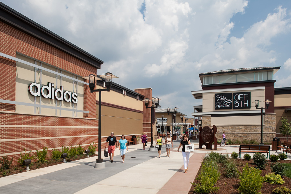 St. Louis Premium Outlets is located in Chesterfield, Missouri and offers 92 stores - Scroll down for St. Louis Premium Outlets outlet shopping information: store 3/5(1).