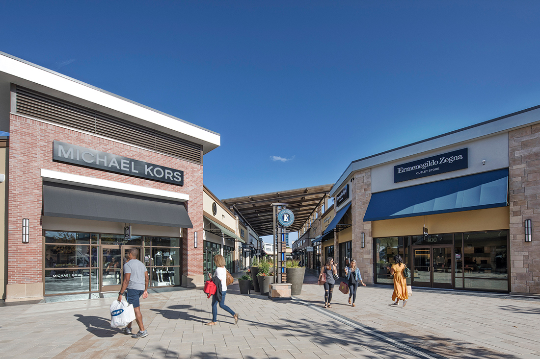 Clarksburg Premium Outlets Outlet mall in Maryland