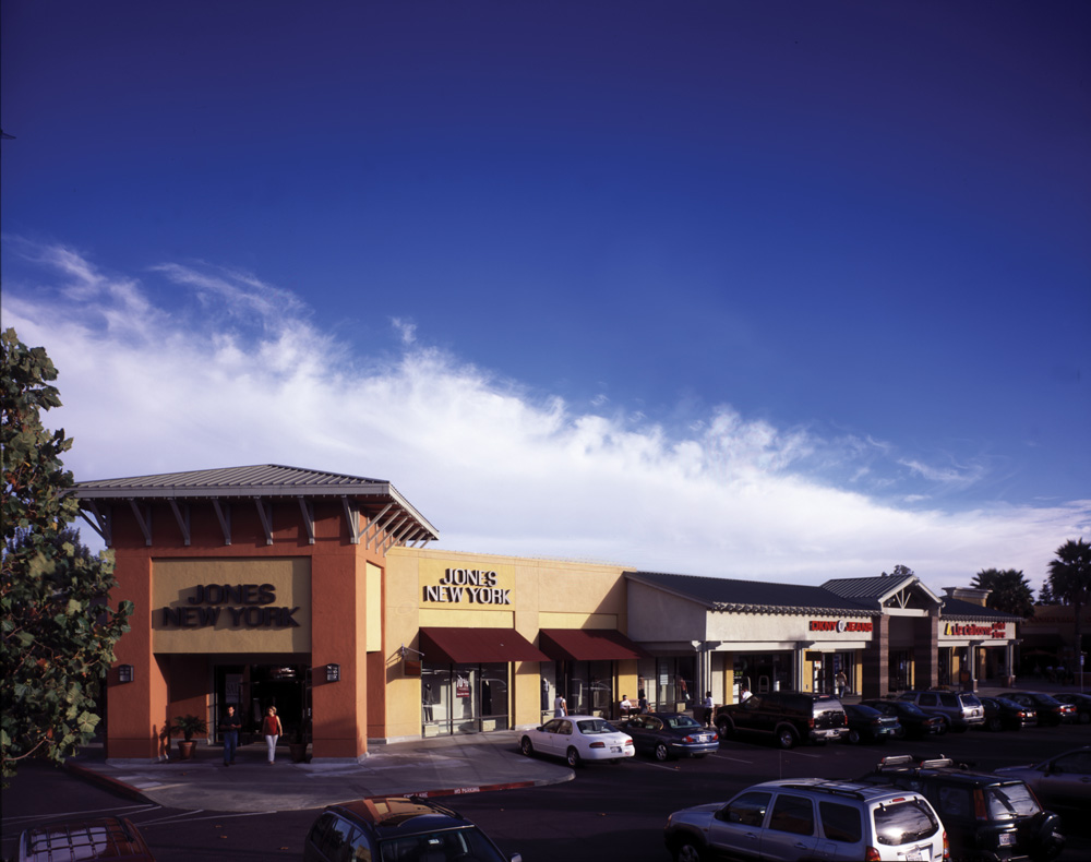 Napa Premium Outlets is located in California's premier wine-producing region, the beautiful Napa Valley. Napa Premium Outlets offer 50 stores ot the most internationally recognizable designer fashion and brand name outlets, such as Brooks Brothers Factory Store, Michael Kors, .