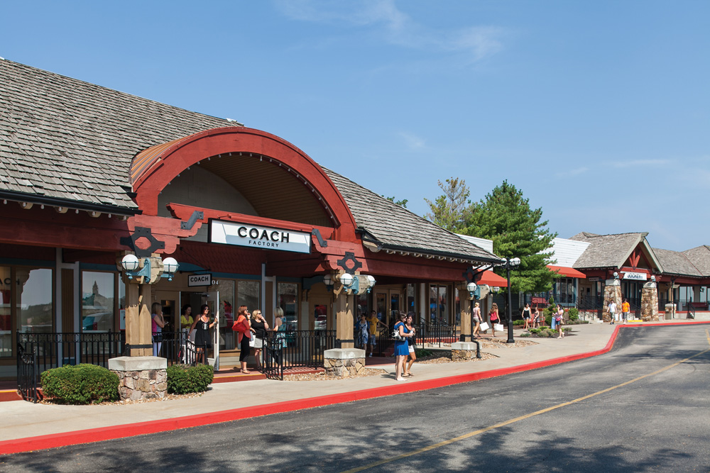 Located in the heart of the Lake of the Ozarks is where you will find Osage Beach Outlet Marketplace. Our outdoor mall is home to many great retailers, some which include Banana Republic Factory Store, Calvin Klein, londonmetalumni.ml, Loft Outlet, Under Armour and many more/5(32).